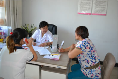 青岛仁德妇产医院院长,原城阳人民医院产科主任姜晶教授说,二胎妈妈